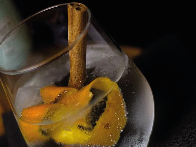 gin tonic naranja y canela